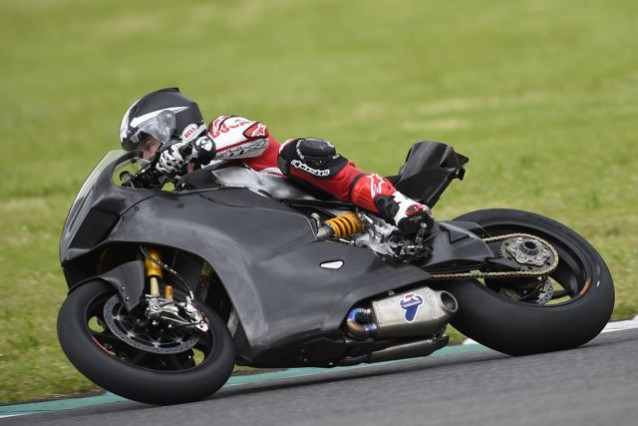 troy_bayliss_ducati_panigale_superbike_test_mugello_maggio_2014_01