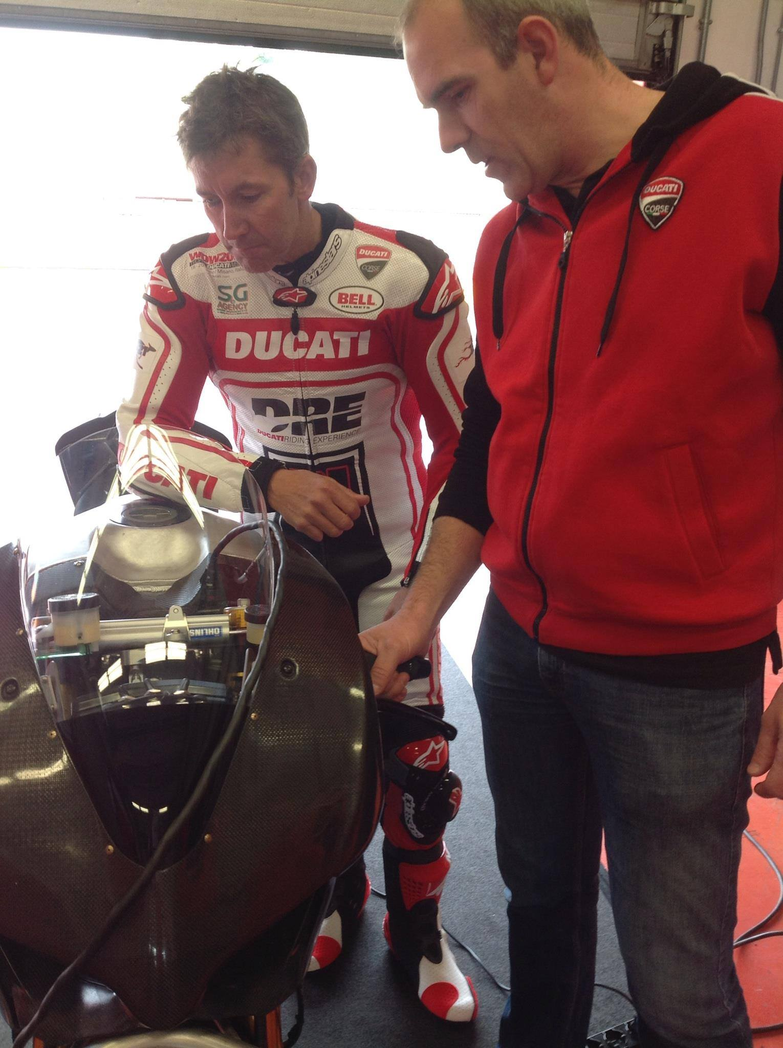 troy_bayliss_ducati_panigale_superbike_test_mugello_maggio_2014_02