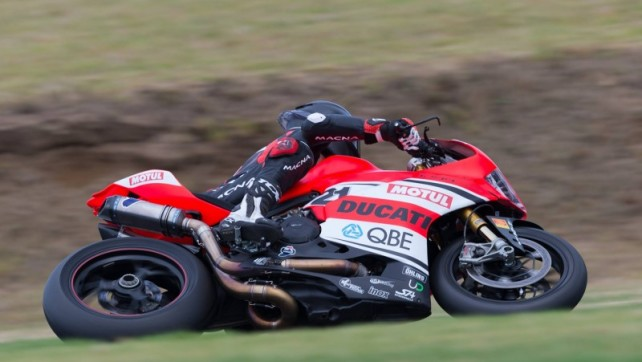 ASBK: Primi test per Troy Bayliss a Phillip Island